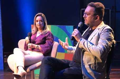 Cíntia Rosena e Ana Clara disputando internautas foi o melhor das lives desta terça